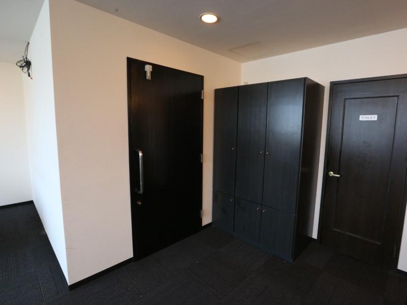 入り口&トイレ